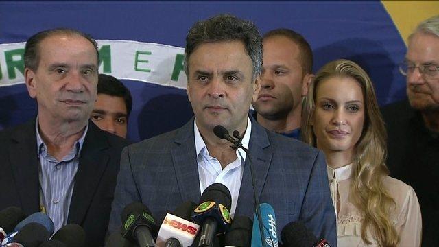 Aécio deseja sucesso a Dilma e diz que prioridade é unir o Brasil