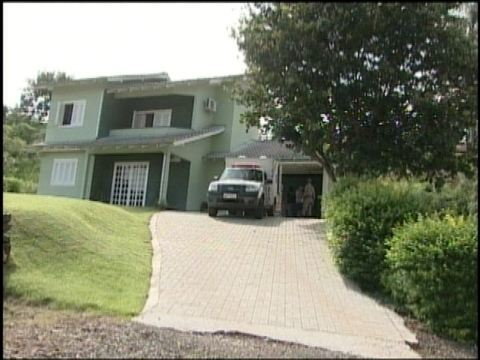 'Ele era tranquilo', diz prefeito sobre suspeito de matar família em SC