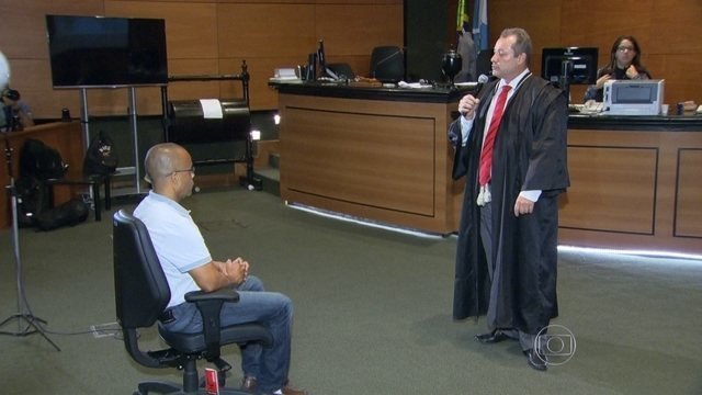 Beira-Mar é condenado a 320 anos e ainda sai sorrindo! 16/05/2015
