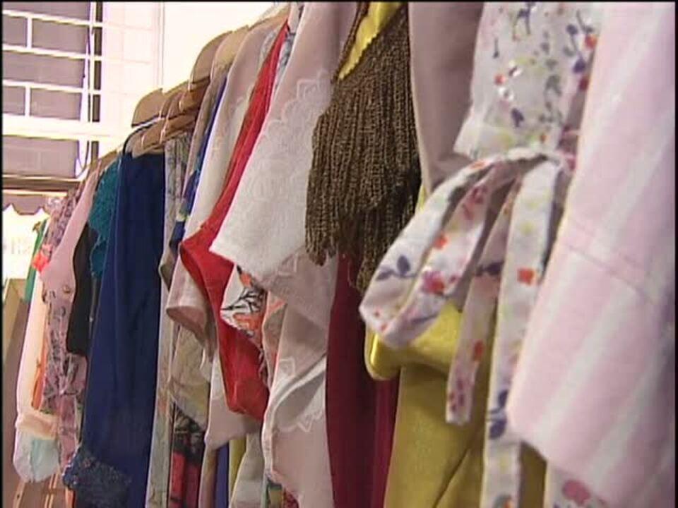 45b9094d0c Brechós de Cascavel surpreendem pela qualidade e variedade de roupas - G1  Paraná - vídeos - Catálogo de Vídeos