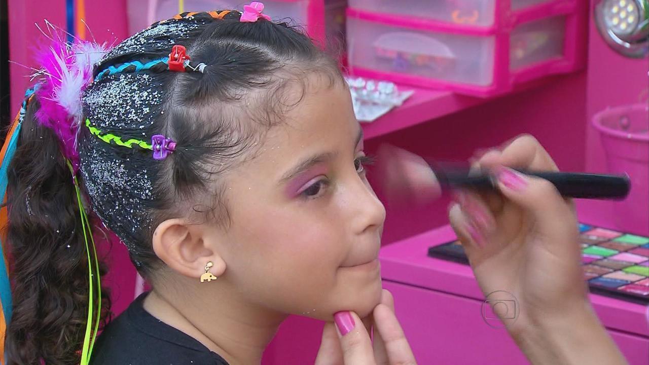 Aprenda Como Arrumar Os Cabelos Das Crianças Para O Carnaval