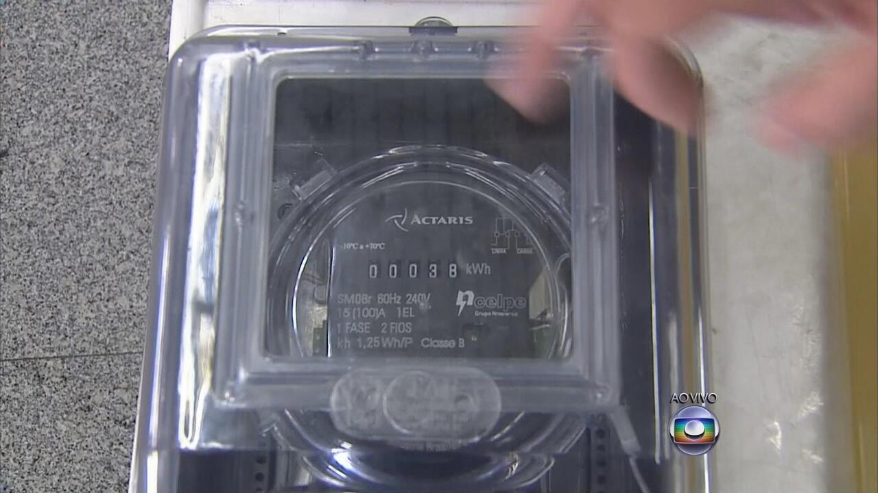 cd328814582 Consumidor pode fazer teste simples para saber se medidor da Celpe está  funcionando - G1 Pernambuco - Vídeos - Catálogo de Vídeos