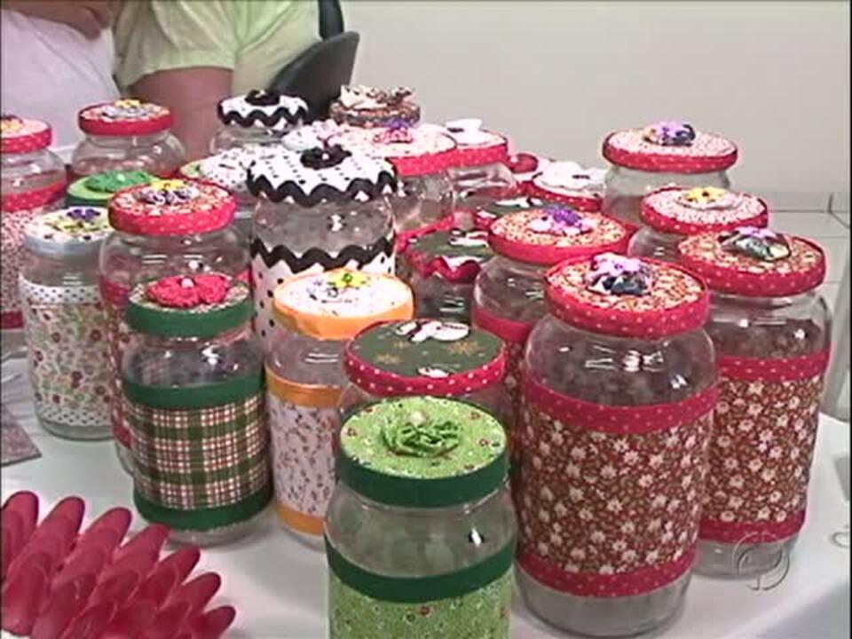 Vidros com tecido s u00e3o opç u00e3o barata para decoraç u00e3o de Natal G1 Paraná vídeos Catálogo de Vídeos -> Decoração De Vidros De Conserva Com Eva