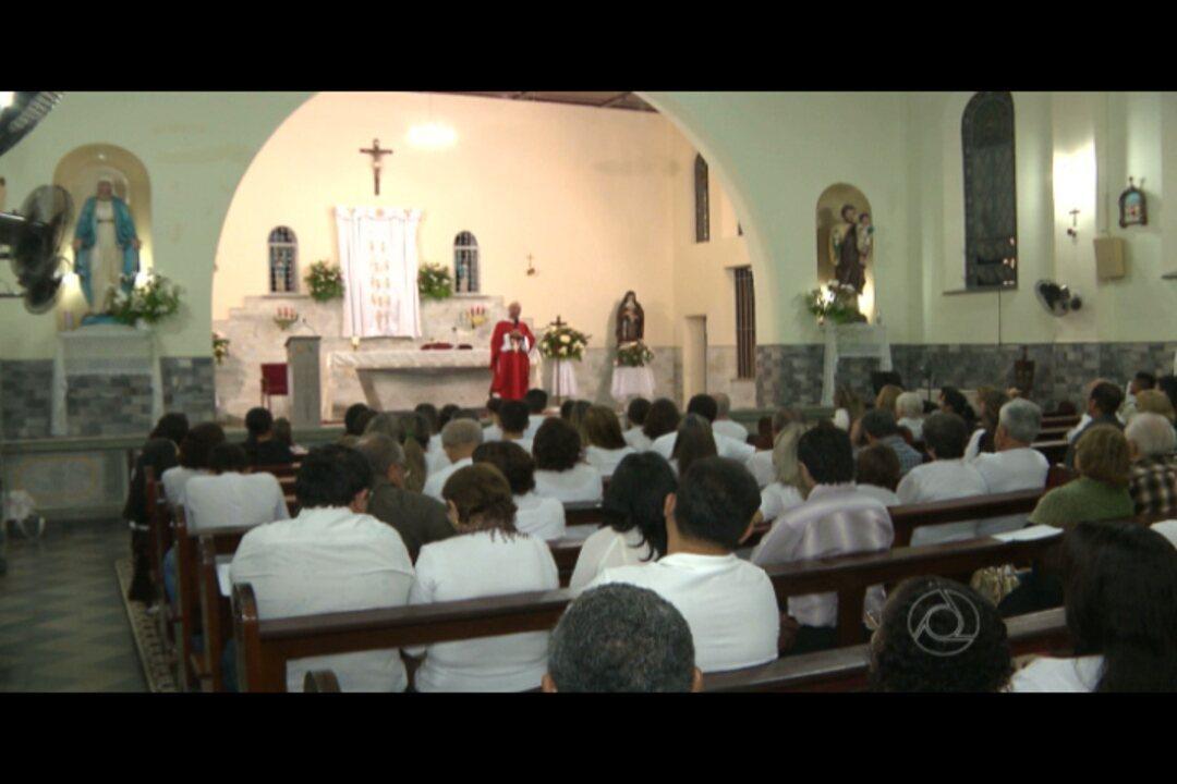 Missa lembrou o 30º dia da morte do médico Arthur Azevedo, assassinado em Pernambuco - G1 Paraíba - Bom Dia Paraíba - Catálogo de Vídeos