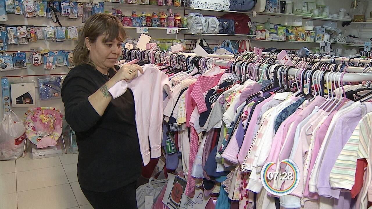5cd524380 Brechós de roupas infantis fazem sucesso em São José dos Campos - G1 Vale  do Paraíba e Região - Bom Dia Vanguarda - Catálogo de Vídeos