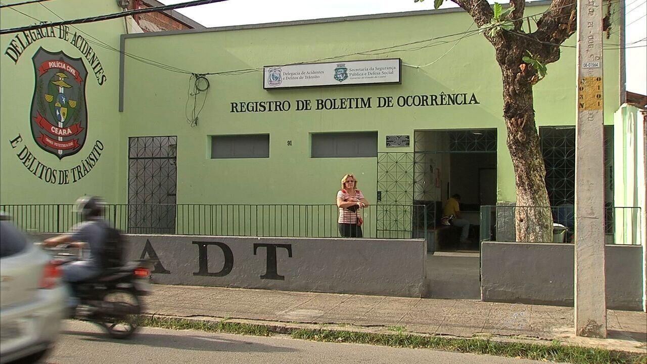8b6a41596de Feridos em acidentes podem procurar delegacia para delitos de trânsito em  Fortaleza - G1 Ceará - CETV 1ª Edição - Catálogo de Vídeos