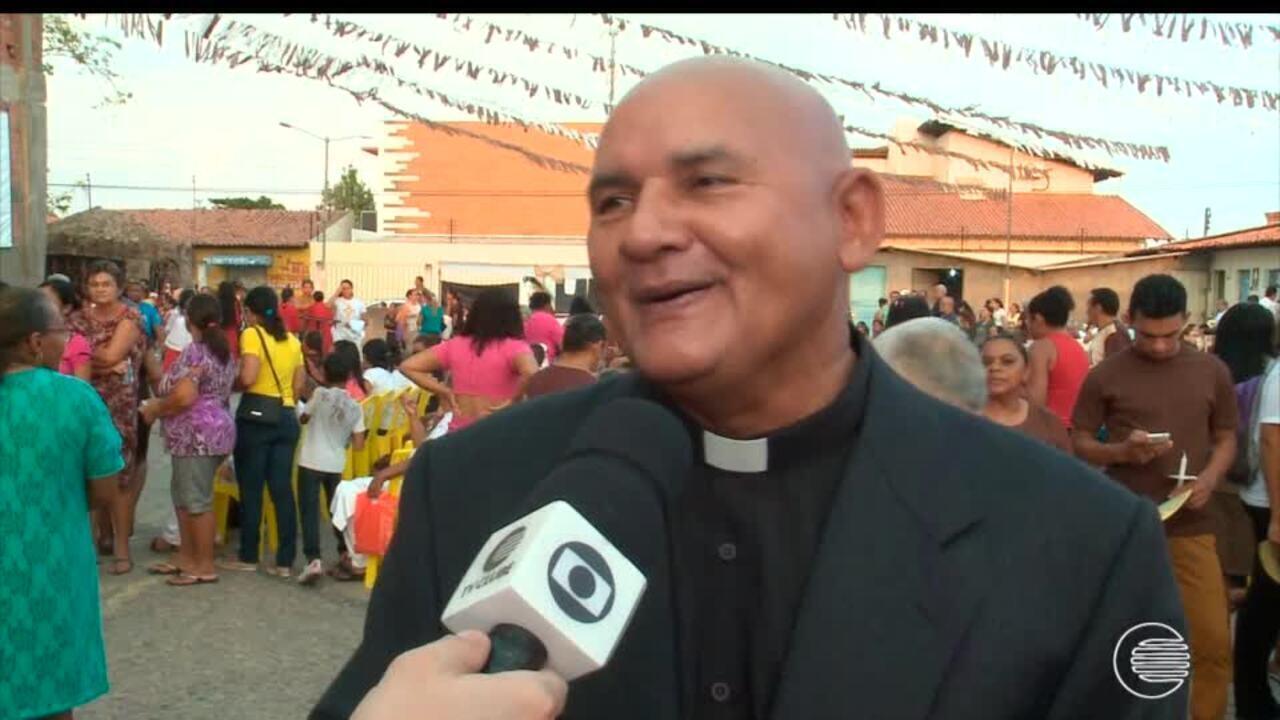 Cat licos comemoram dia de s o francisco com celebra es for Francisco peluqueros porto pi