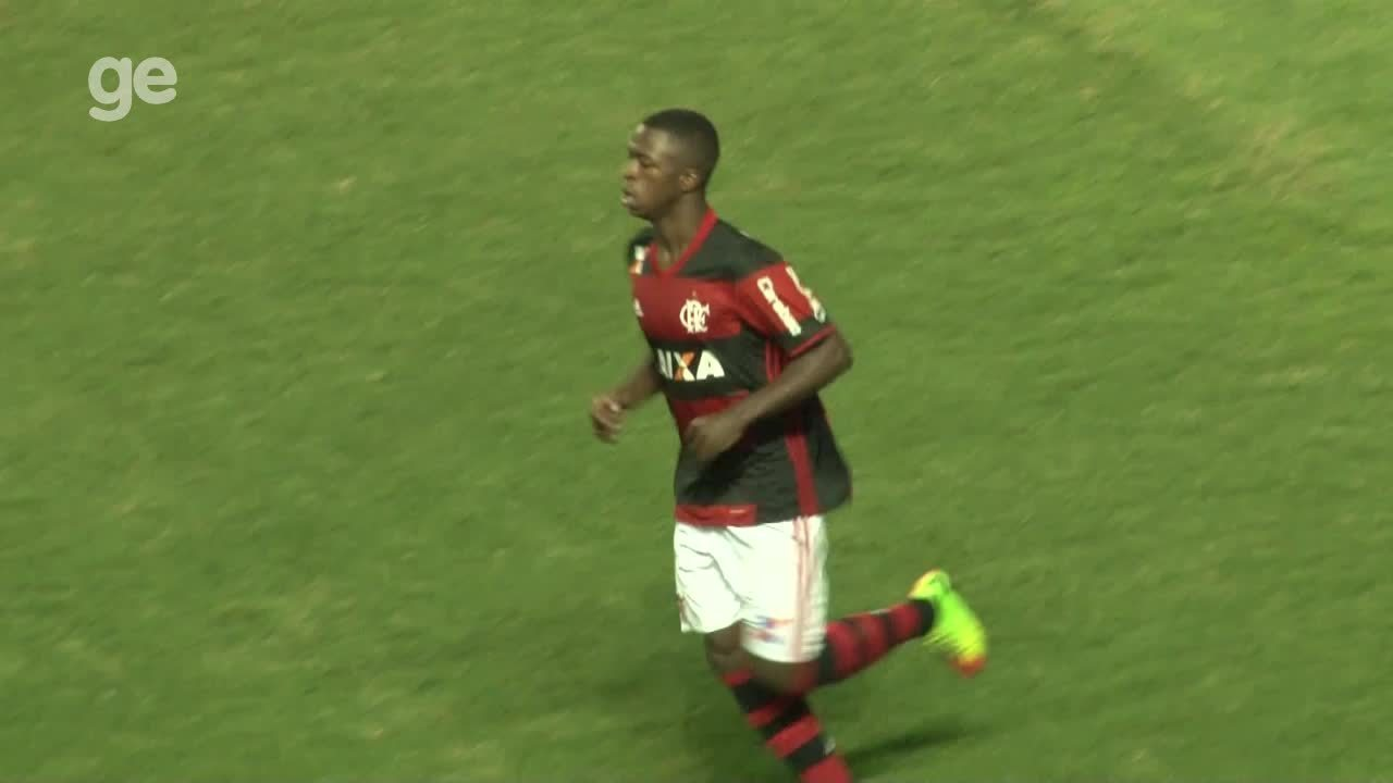 Veja lances do garoto Vinícius Jr., do Flamengo