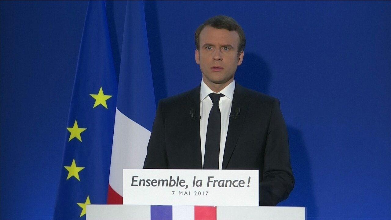 Emmanuel Macron discursa após vitória na eleição presidencial da França