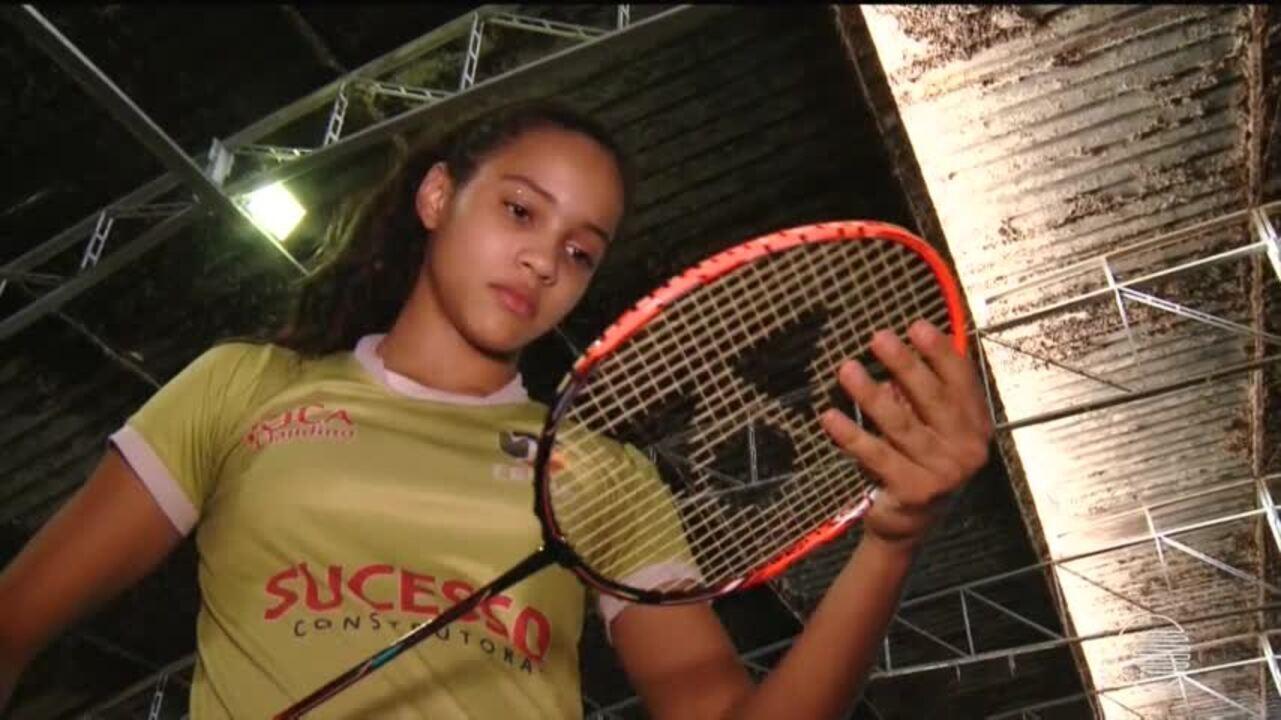 Atleta do badminton piauiense viaja pela Europa e conquista medalhas