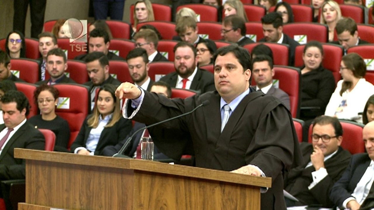 'A mentira venceu', afirma o advogado Flávio Henrique Costa Pereira