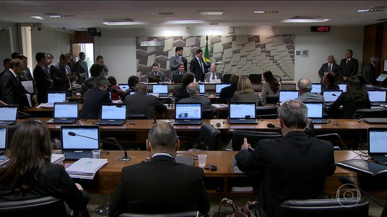 Reforma Trabalhista é aprovada em comissão do Senado