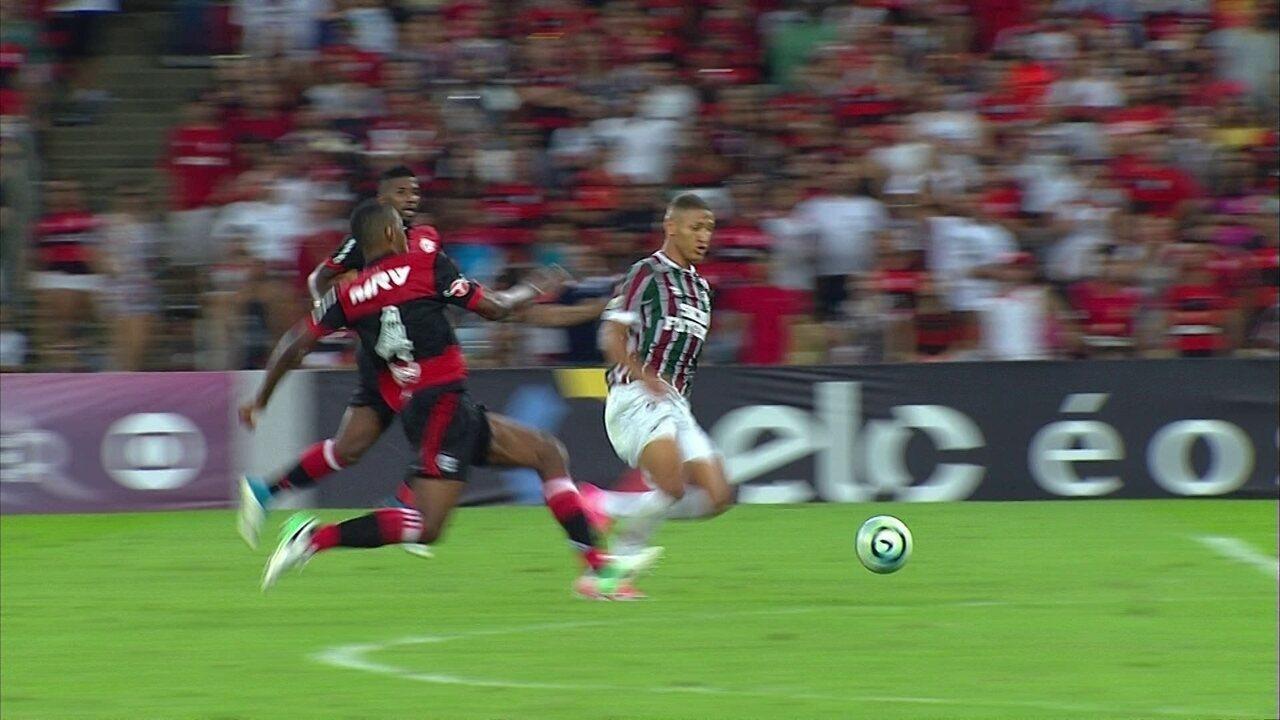 Melhores momentos: Fluminense 2 x 2 Flamengo pela 8ª rodada do Brasileirão 2017