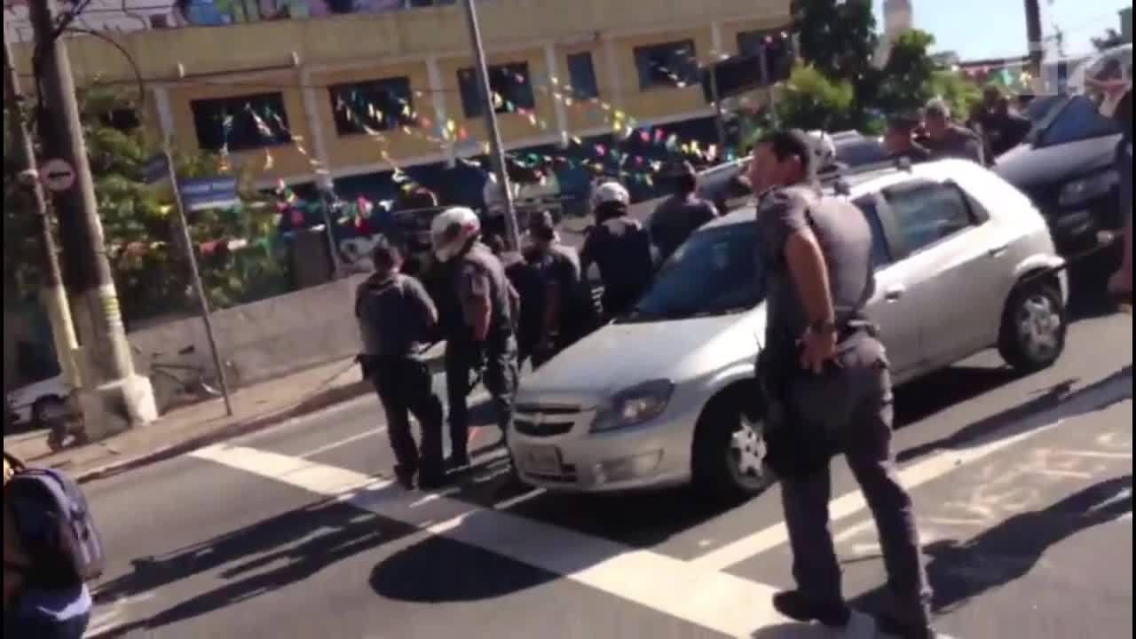 Ação da PM na Favela do Moinho termina em confronto