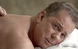 Supersincero tenta relaxar em um spa mas arruma confusão