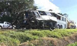Dez morreram e 25 ficaram feridas em acidente no Paraná