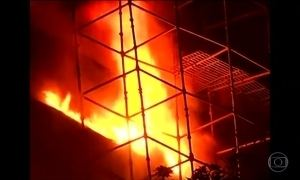 Incêndio destrói museu de história natural na Índia