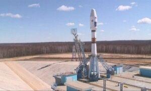 Rússia estreia plataforma enviando três satélites para a órbita da Terra