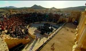 Governo russo transporta orquestra sinfônica às ruínas da Síria