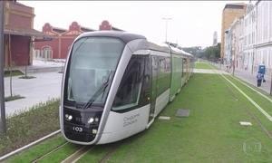 Veículo Leve sobre Trilhos, o VLT, começa a funcionar no Rio