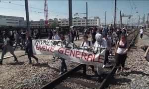 Senado da França começa a discutir reforma trabalhista
