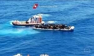 Dez mulheres são encontradas mortas em barco naufragado na Líbia