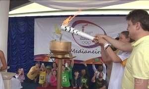 Tocha olímpica percorre cidades do Paraná