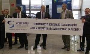 Auditores fiscais fazem operação em portas de entrada e saída do país
