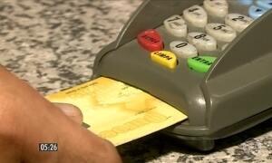 Empréstimo de cartão a terceiros requer cuidados