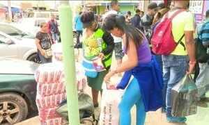 Crise humanitária que afeta venezuelanos se repete na fronteira com o Brasil