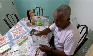 Desempregados recorrem a aposentados para pedir crédito consignado