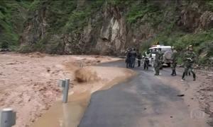 Chuva obriga mais de meio milhão de chineses a sair de casa