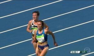 Atleta da Nova Zelândia tem belo gesto e ajuda adversária americana em prova olímpica