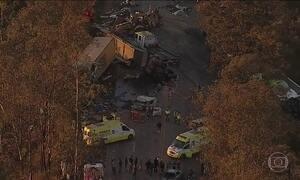 Acidente com carretas e ônibus deixa três mortos e 14 feridos em MG