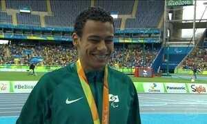 Daniel Martins bate recorde mundial e conquista ouro para o Brasil
