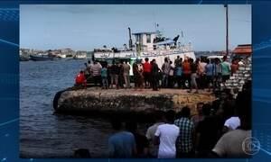 Barco com 600 imigrantes naufraga no Mar Mediterrâneo