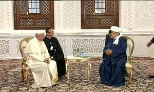 Papa Francisco visita mesquita no Azerbaijão