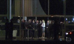 Michel Temer janta no Palácio da Alvorada com ministros e deputados