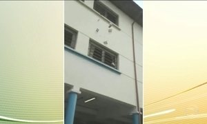 Secretaria de Educação investiga descarte de centenas de livros