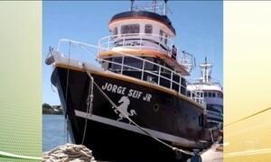 Sobreviventes do naufrágio de um barco contam que mar estava muito agitado