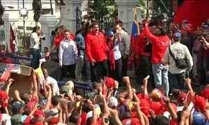 Protestos contra e a favor do governo venezuelano tomam as ruas de Caracas