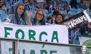 Grêmio e Atlético-MG decidem a Copa do Brasil e torcidas homenageiam a Chapecoense
