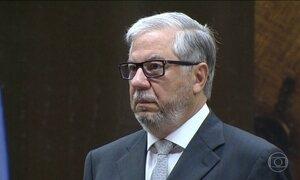 Presidente do Tribunal de Contas do RJ e filho dele são suspeitos de exigir propina