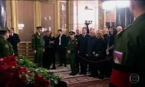 Embaixador russo assassinado na Turquia será enterrado nesta quinta (22)