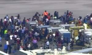 Atirador mata cinco e fere oito pessoas em aeroporto