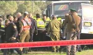 Quatro soldados israelenses morrem após serem atingidos por caminhão