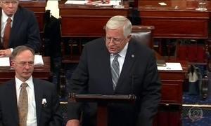Senado dos EUA dá primeiro passo para derrubar reforma da saúde de Obama