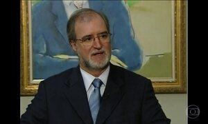 Justiça mineira determina bloqueio dos bens de ex-governador do PSDB