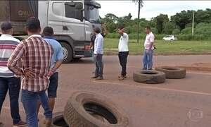 Caminhoneiros protestam em MT por valor mínimo nacional de frete