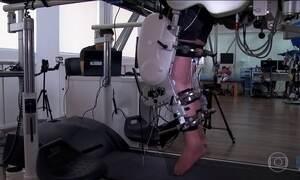 Anos de pesquisa com o exoesqueleto ajudam paraplégicos